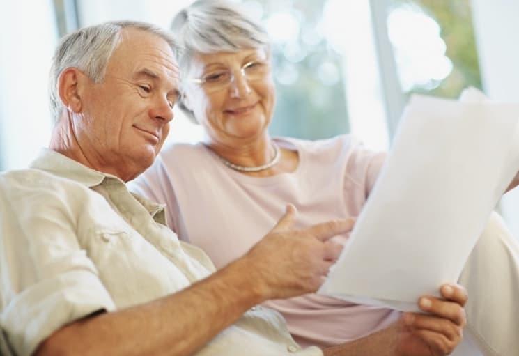 Должен ли пенсионер платить земельный налог
